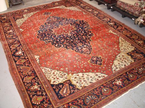 antique sarouq carpet sarouq northwest persia